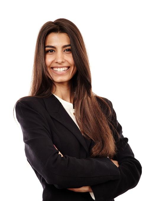 business-woman-462118187.jpg