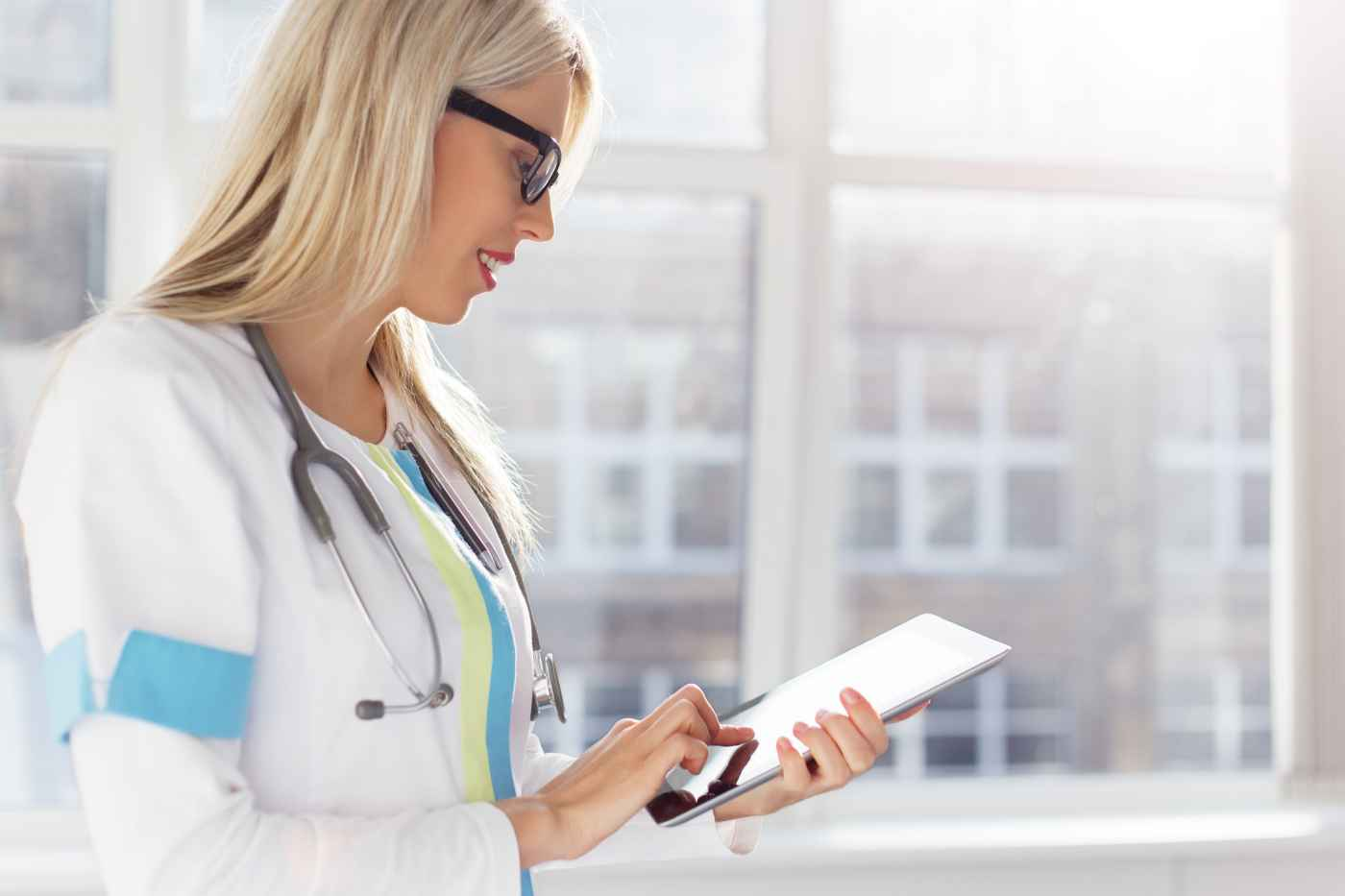 It's clear that the combination of mobile healthcare apps and artifical intelligence is the future of health care.