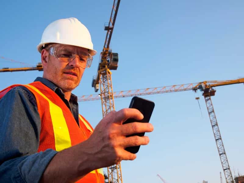 How Frontline Workers Can Benefit from Rapid Mobile Application Development Tools