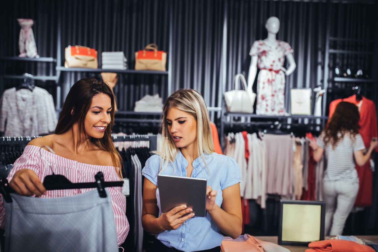 Build Mobile Retail Apps that Deliver